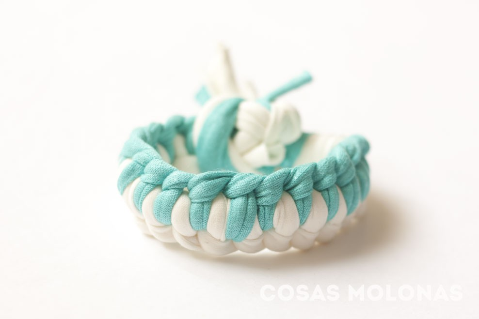 Pulseras de trapillo – Knitting is cool