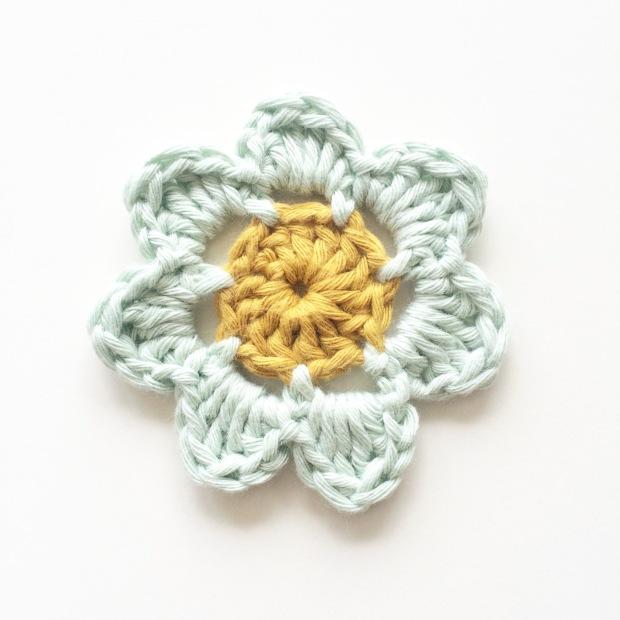 Tejer flores en primavera – Knitting is cool