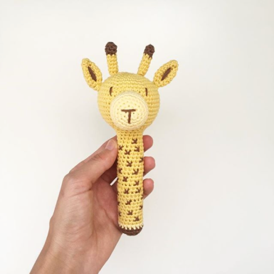 Tali la jirafa sonajero Knitting is cool