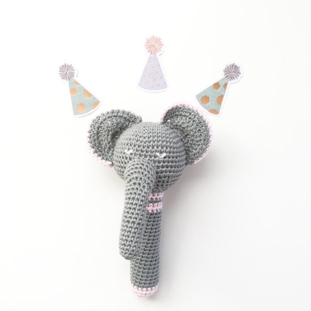 Patrón gratuito ganchillo: elefante sonajero – Knitting is cool